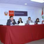 La Representante de UNESCO, Nilda Anglaril, el Dr. José Rosas Moscoso y la Geog. María del Carmen Carrasco presentaron en el Congreso de la República el libro Itinerarios Culturales y Patrimonio Mundial (2010).