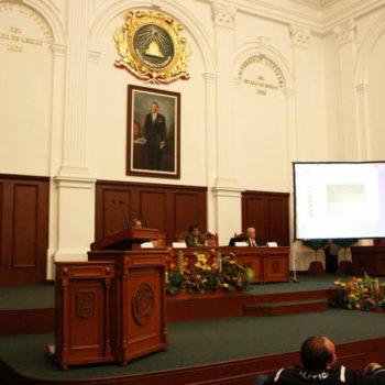 La Reunión Anual y Conferencia Científica del ICLAFI (Comité de Asuntos Legales, Administrativos y Financieros de ICOMOS) del 2009, se realizó en la ciudad de Toluca. En la imagen el Dr. Alberto Martorell sustenta su ponencia.